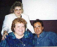 With Selma Primanzon (rear) and Teri